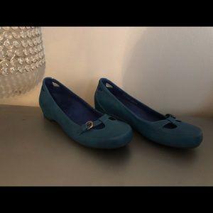 Vionic shoes, podiatrist technology, size 7.